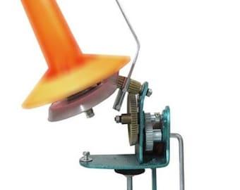 Metal winder for yarn