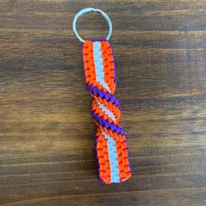 4-String Navy Blue /& Cream BrickTwist Paracord Keychain