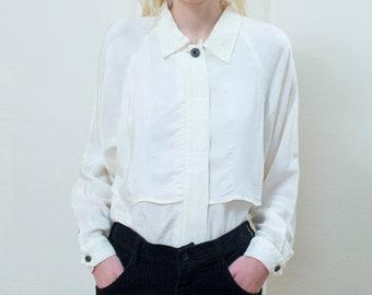 61a8b1f1b50703 80s white silk blouse medium