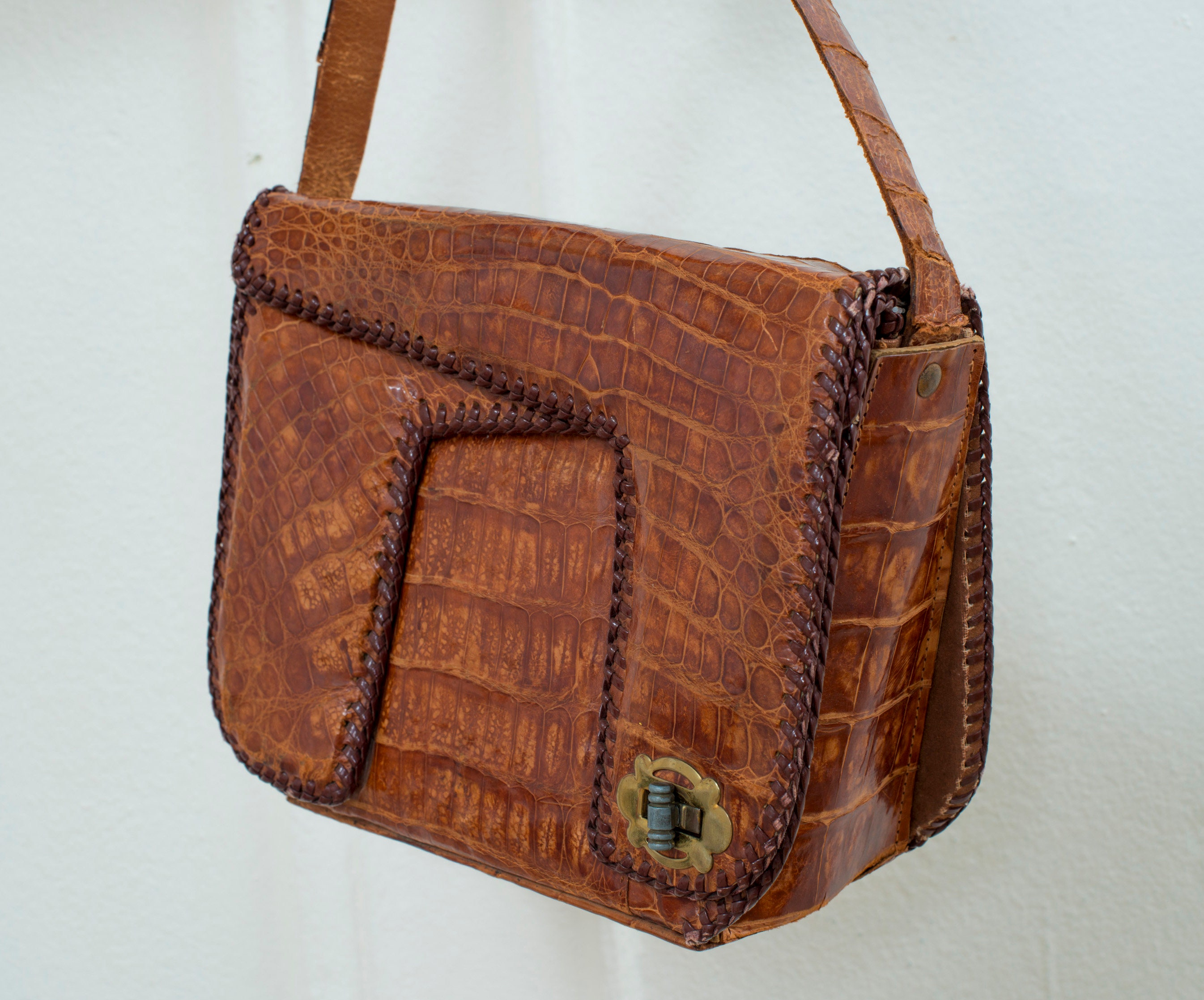 b62f1e4ee 60s brown leather purse alligator embossed leather mini   Etsy