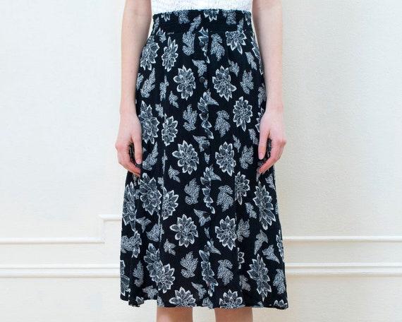 black floral skirt medium | black white flower pri