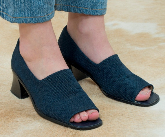 navy woven shoes 8.5 | navy blue woven sandals | d