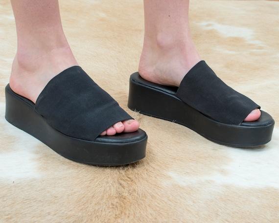 90s black elastic chunky platform sandals 9   stre