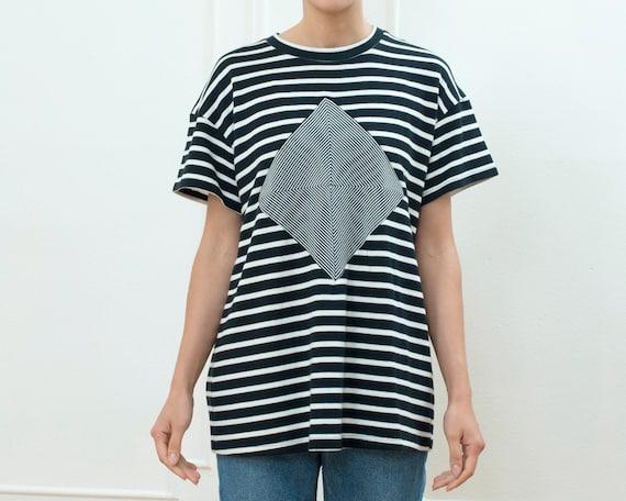 80s navy striped breton tshirt   optical illusion