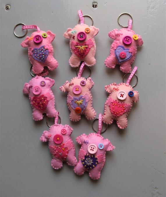 Porte-clé - porte-clé - cochon - animal de ferme - porte-clef en feutre-idée cadeau - Porcinet - rose - coeur - cotillons - Patchyz par Kathleen Flask