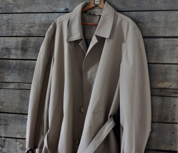 NEVER USED beige raincoat  Belgium Vintage beige t