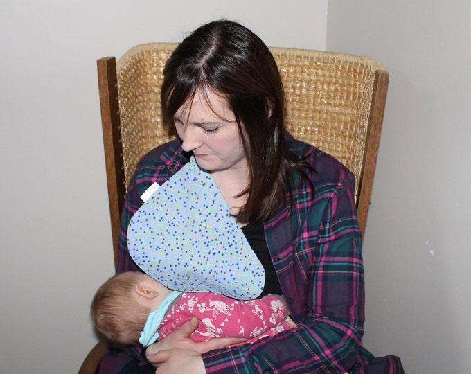 Breastfeeding/nursing cover, baby shower, gift idea - Blue spotty