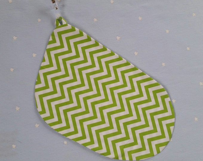 Breastfeeding/nursing cover, baby shower, gift idea - Green Zigzag