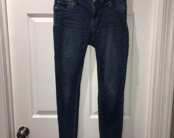 Skinny Jeans - White   Black House Market