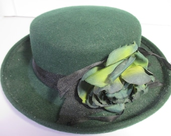80s Womens Felt Flower Hat - Vintage St Patrick s Day Hats - Green Vintage  Hat - Women s Hats - older hats - small medium hat - hats on sale 693c6ae418b