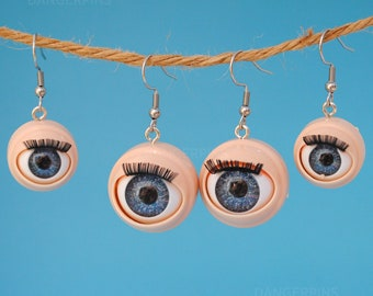 Awful creepy doll eyeball earrings - with awful blinking action for weirdos