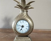 Vintage Brass Pineapple Table Mantle Clock Welcome Hospitality Symbol Kitchen Tropical Fruit Functional Decor Retro Accent Collectible Gift
