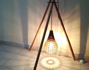 Floor tripod wood lamp