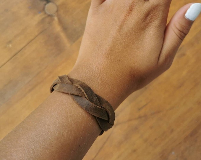 Braided leather bracelet / Leather bracelet / braided bracelet / brown bracelet / Pull up leather / boho