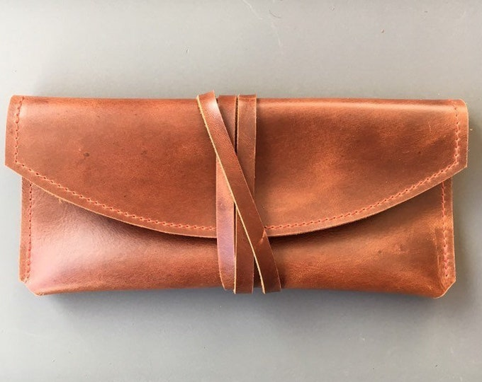 Leather eyewear enetui//leather case//sunglasses case//leather clutch//minimal//brown