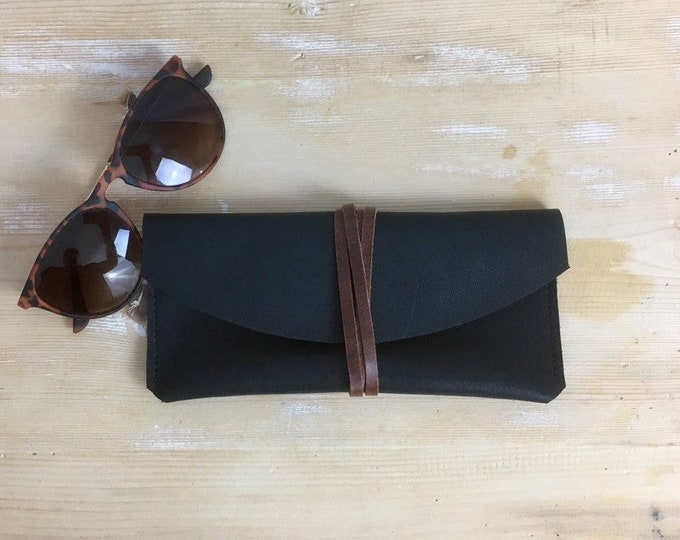 Black eyewear uetui//sunglasses case//leather eyewear enetui//leather clutch//Leather glasses case//minimal