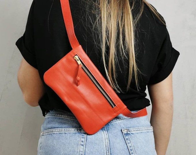 Red leather belt bag / hip bag/ hip bag / Fanny pack / crossbody / festival bag / boom bag leather / Red leather bag