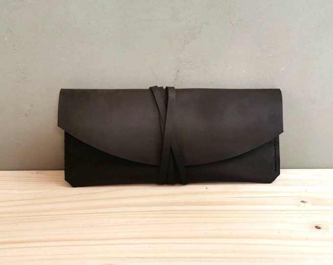 Leather eyewear case / Leather case / Leather sunglasses case / Leather clutch / classy / minimal / maroon