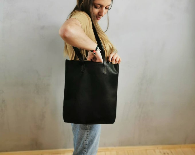 Black leather shopper / black leather bag = large leather tote •shoulder bag = black leather bag = leather tote • minimal