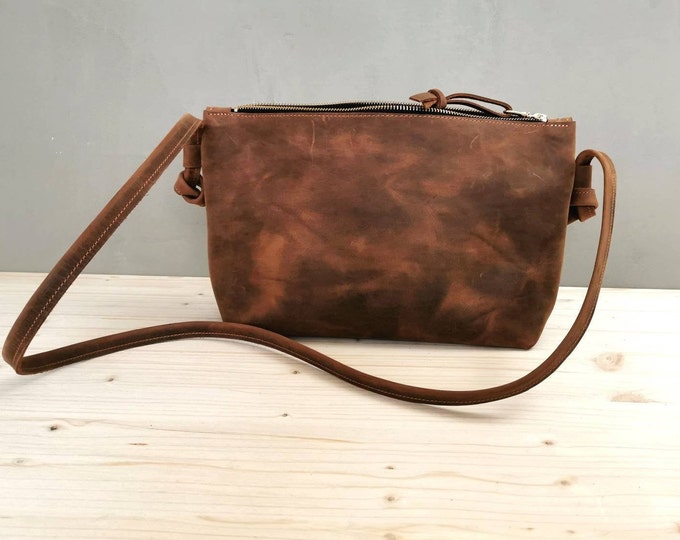 Brown handbag in genuine leather / Leather handbag in pull up leather/ boho