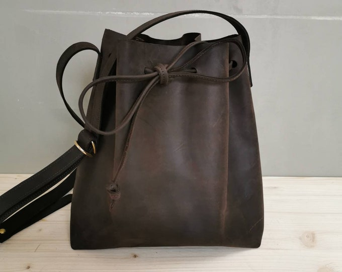 Leather bucket bag / Leather bucket bag / Bucket bag in dark brown leather | chestnut shoulder bag | boho