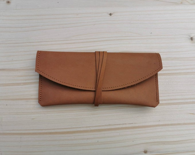 Camel brown eyeglass case / Sunglasses case / Leather clutch / minimal
