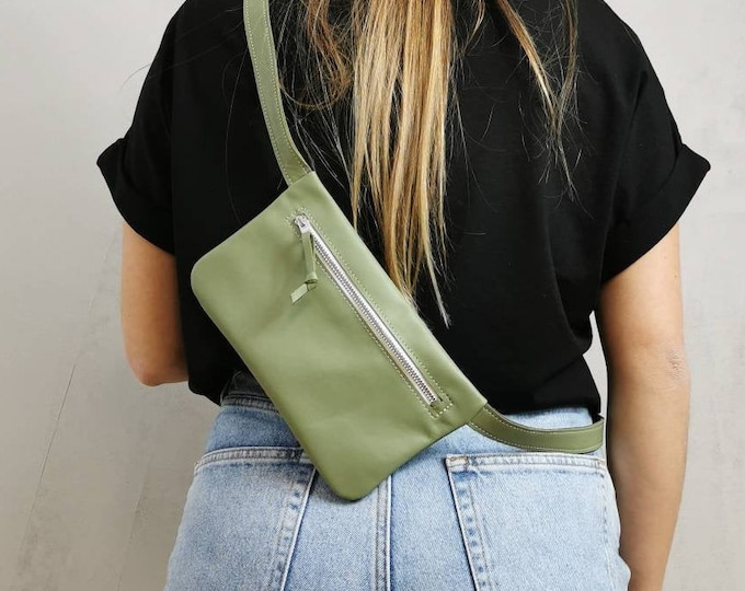 Green leather belt bag / hip bag mint green / hip bag leather / Fanny pack / crossbody / festival bag / belly bag / boom bag