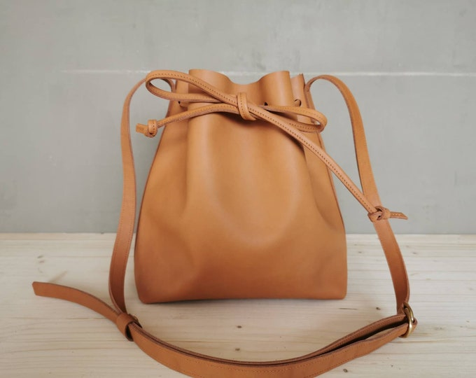 Leather bucket bag = leather bucket bag = camel brown bucket bag = natural tanned bag = minimal