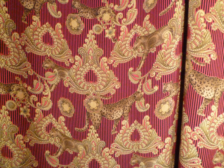 Tissu en en en soie concepteur (Versace) antique, grave e70fef