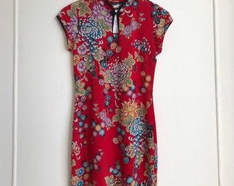 2fa023e5423 Vintage Red Floral Print Kimono Style Dress   Size small to medium