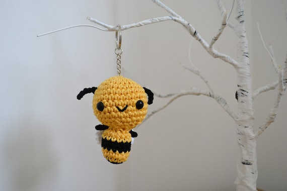 Cute Bee Keyring or Decoration, Crochet Bumble Bee Keychain, Buzzy Bee Accessory, Honey Bee Gift, Bee Decoration
