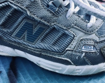 New Balance 604 vintage sneakers