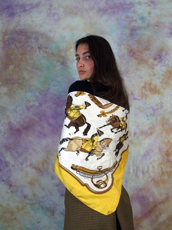 Hermes Vintage Women's yellow Reprise Silk Scarf D