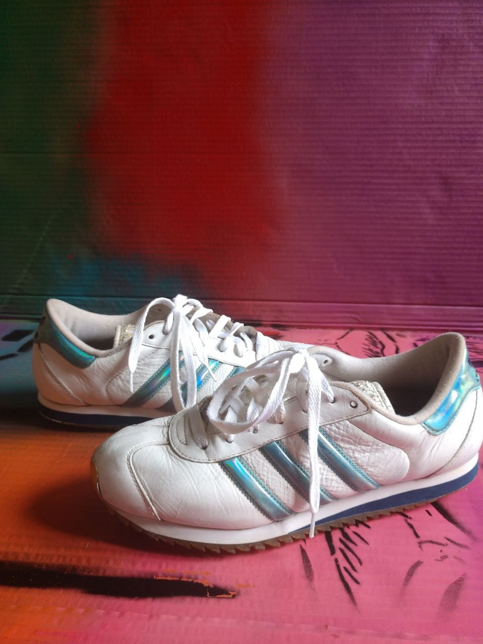 new product 3a317 2ffb1 90 s Vintage Adidas shoes L.A. Los Angeles trainers   Etsy
