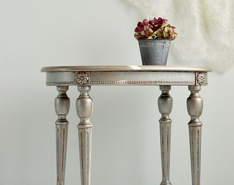 Argentine Pearl small tables