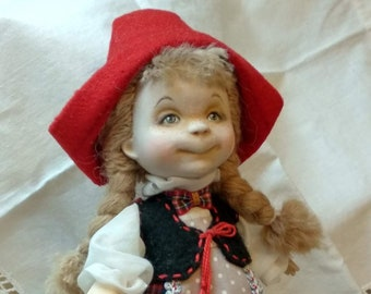 Little red riding hood doll 18 sm