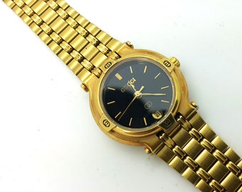 902f77058fe Vintage 18K gold Plated and stainless steel Gucci 9200L wrist watch  Timepiece quartz women ladies