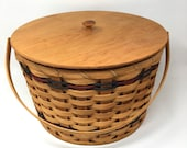 Amish Made Round Sewing Basket With Cover