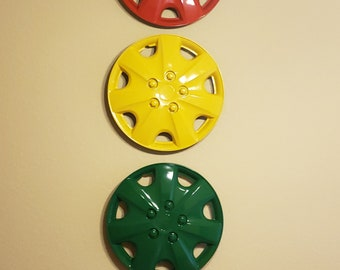 14 inch - Red, Yellow and Green hub caps