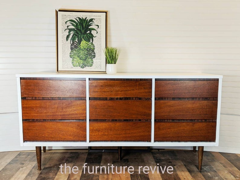 Superieur SOLD **sample Of Work** Bassett Mid Century Modern Long Dresser Nine Drawer  Wood Vintage Lowboy MCM Tv Stand Changing Table Bathroom Vanity