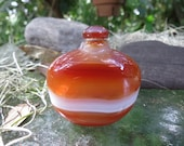 Chinese Banded Agate Snuff Bottle - 20th Century Tobacciana - Carved Stone Bottle - Excellent