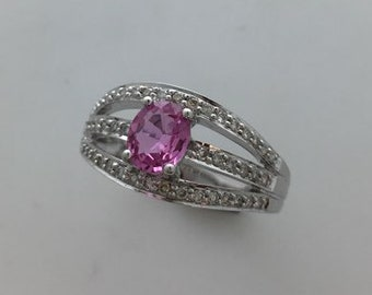 14Kt white gold pink sapphire ring set with 30 diamonds