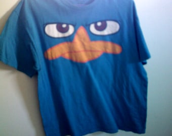 phineas ferb t shirt size L clean no stains