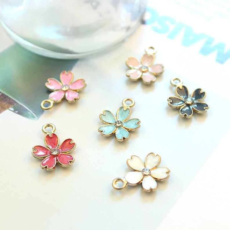 10pcs Classic,Sakura Necklace Keychain Earring . five petal flower Pendant Necklace\uff0cCreative Pendant Alloy accessories necklace