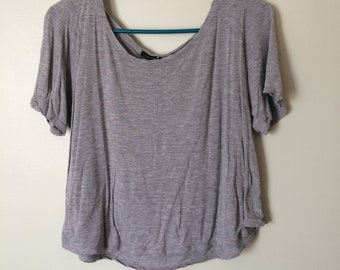 Forever 21 Gray Crop Top - Women's Size M