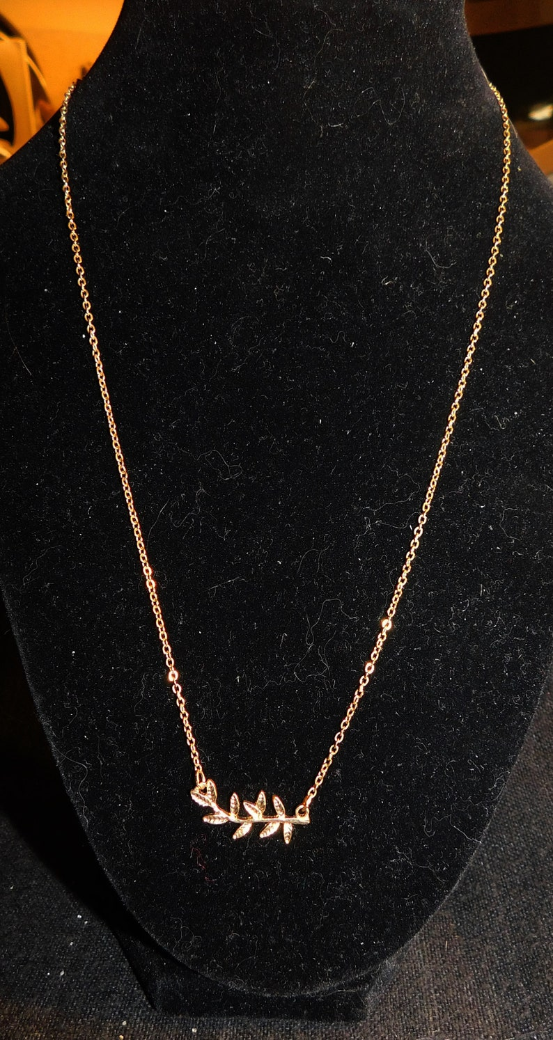 Delicate Goldtone Leaves Necklace