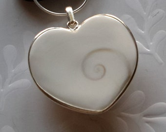 f642e4192b6b8 Five heart necklace | Etsy