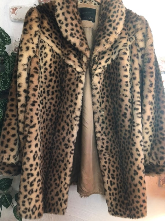 vintage fake fur coat Leopard