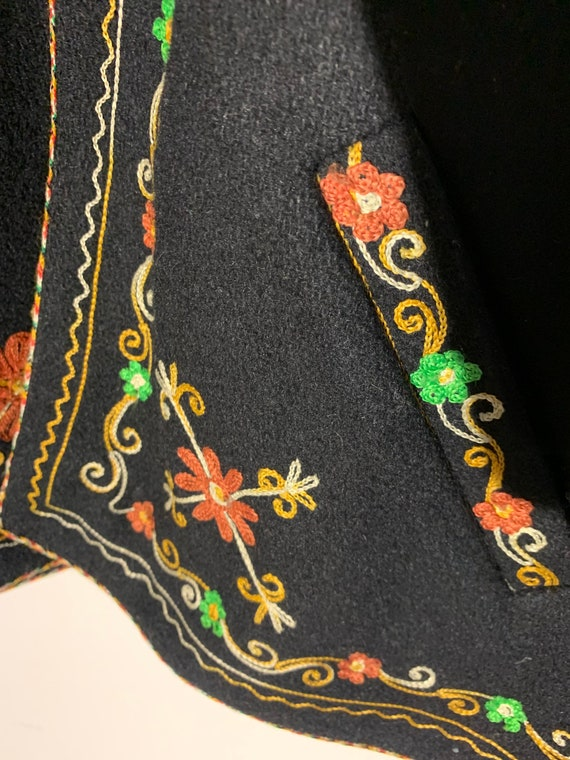 Vintage wool Embroidered coat - image 6