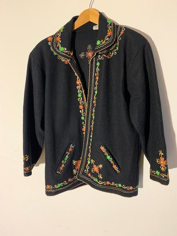 Vintage wool Embroidered coat